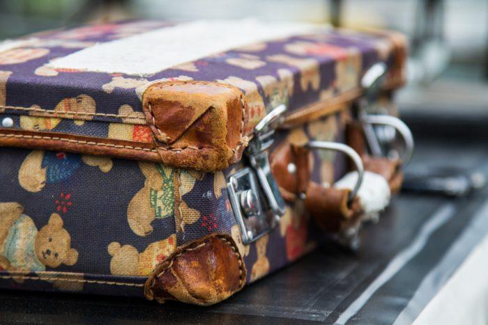 luggage-1662435_1920
